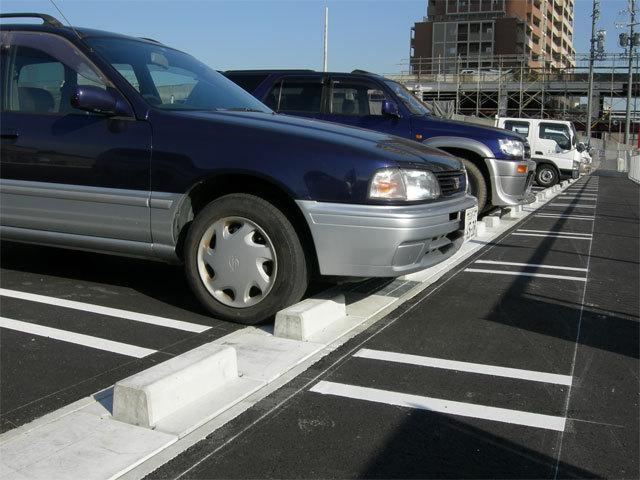 駐車場の輪止めブロックが取れて困ってませんか?