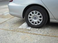 F社社員駐車場